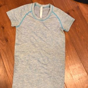 Lululemon short sleeve